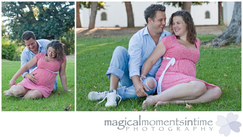 maternity photos at groot constantia cape town sitting on grass